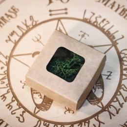 Фото Коробка с прозрачным окном 60х60х30 крафт, мох внутри