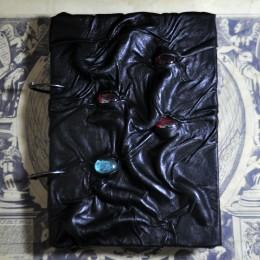 Фото Чёрный блокнот монстр Хоган-Ророторри