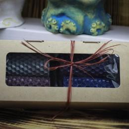 Фото Набор цветных свечей из воска в крафт-коробочке